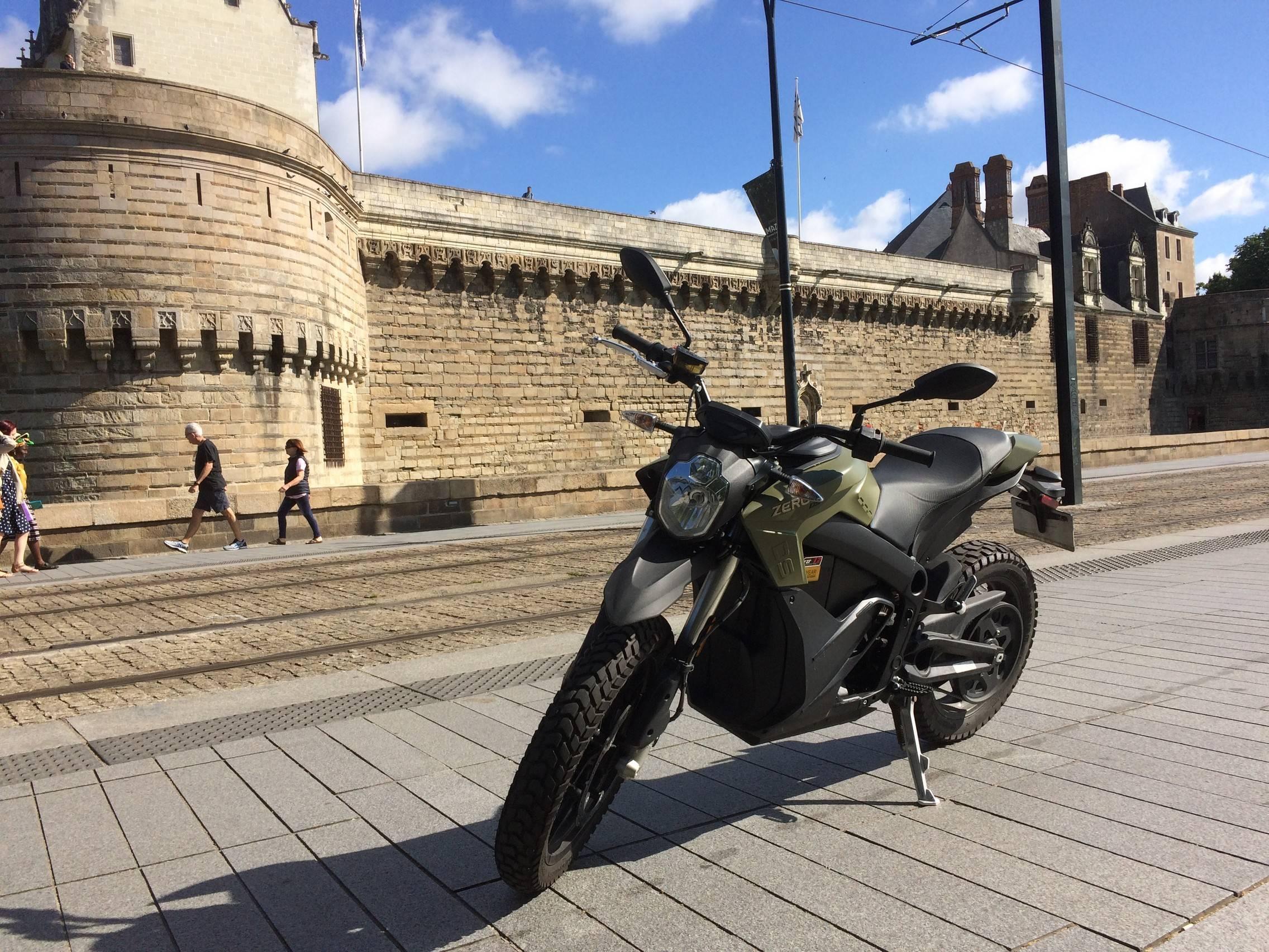 ESSAI Zéro 125 DS, la moto pas si nulle…